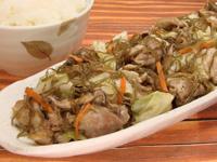 満点おかずきざみ昆布と豚肉の炒め煮+キャベツ